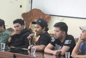 PAYUNG-TEDUH-IS