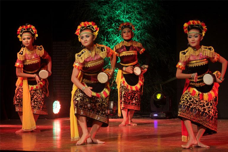 SEMARAK-BUDAYA-INDONESIA-12