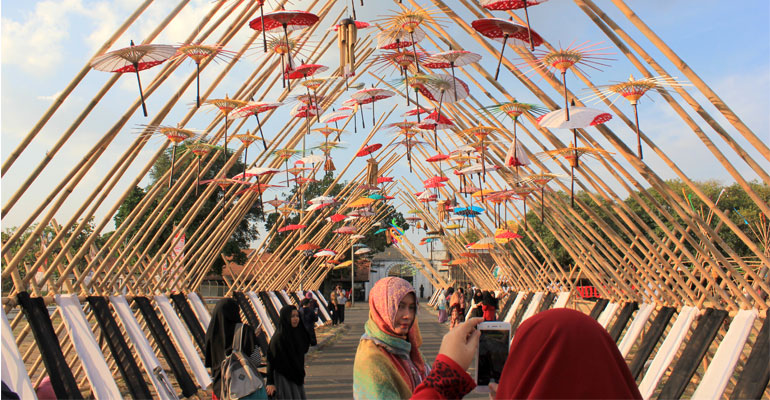 FESTIVAL-PAYUNG-SOLO-02