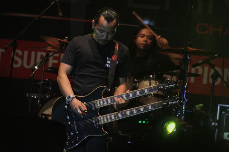 KOTAK-BAND-04