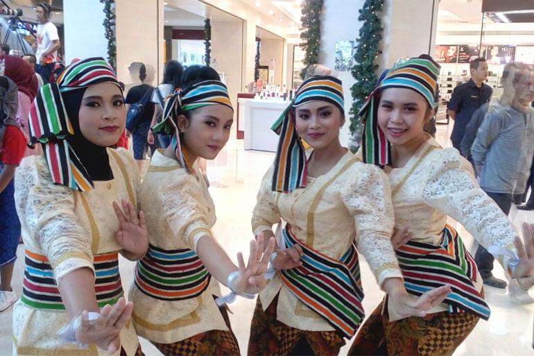 INDONESIA-MENARI-001