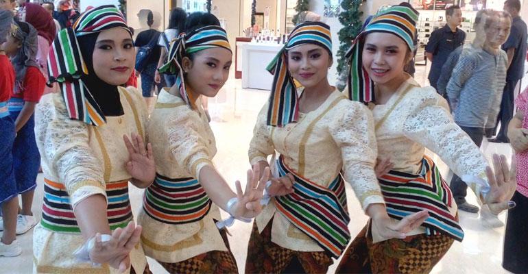 INDONESIA-MENARI-01