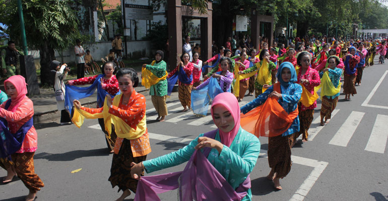INDONESIA-MENARI-07