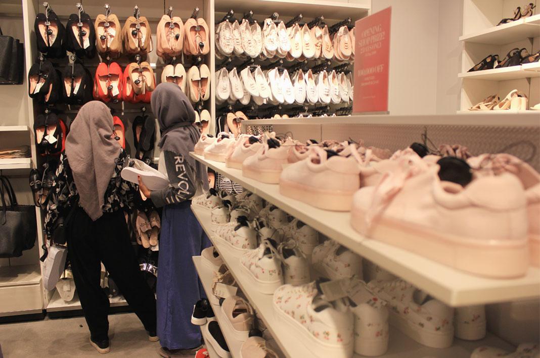Buka Perdana H M The Park Mall Digeruduk Pencinta Fashion
